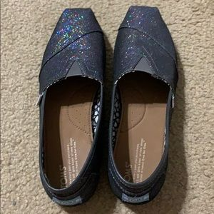 Like new sparkly Toms slide-ons